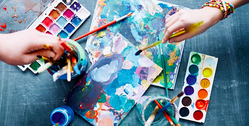 Сертификаты на обучение рисованию в лаборатории творчества Art Fly, набор красок и кистей