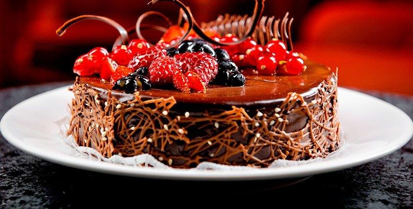 Торт стоимостью 2000 руб. от арт-студии Brocken