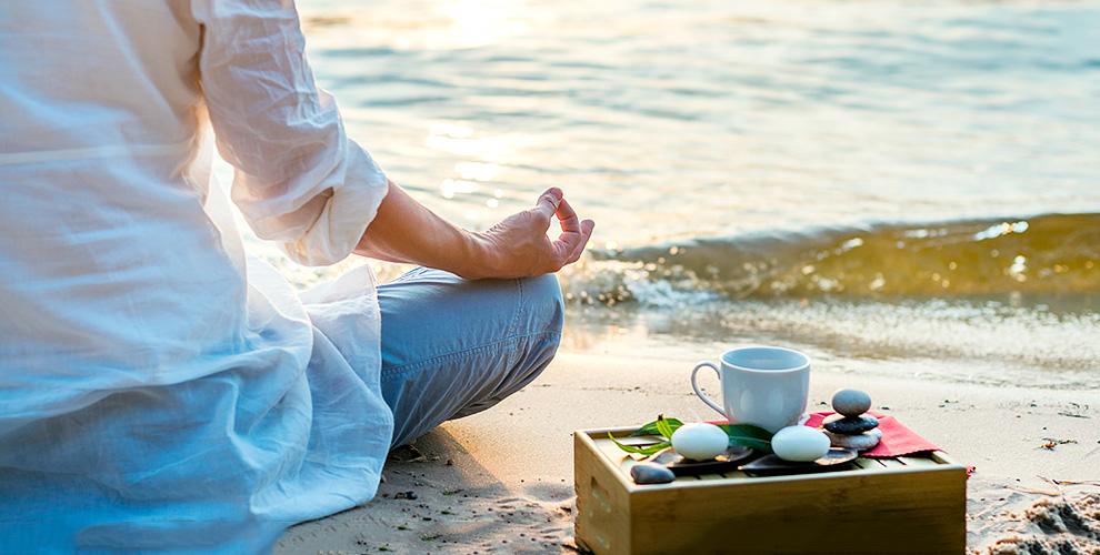 """Конфеты, чай 500 руб. и сертификат 2100 руб. на занятия в йога-центре """"Радуга"""""""