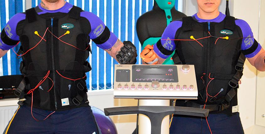 Сертификаты 20 800 руб. на сеансы массажа и EMS тренировку от компании Tech-Fit