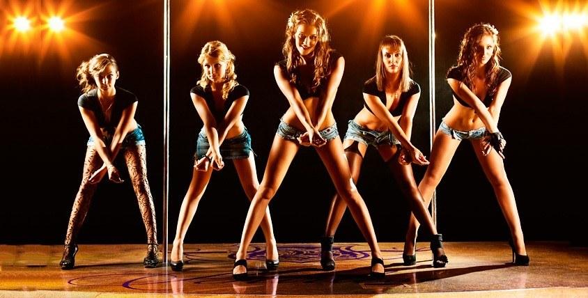 Абонементы 6100 руб. на занятия в школе танцев MAD-MIX