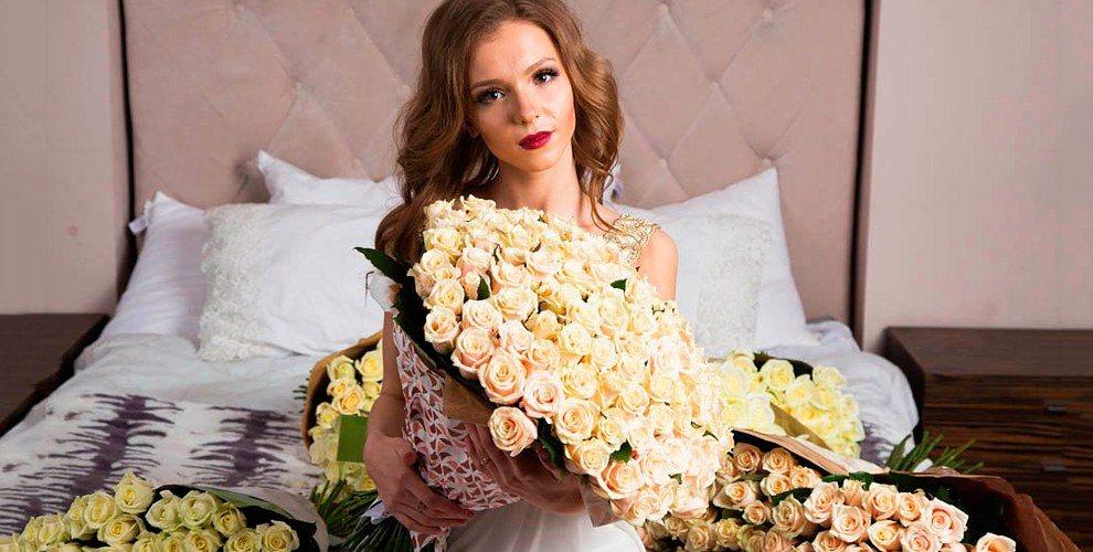 """Сертификаты 2785 руб. на букет роз и посещение ресторана от салона """"Семицветик"""""""