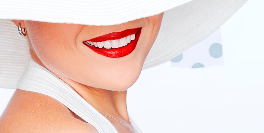 Отбеливание зубов в кабинете Magic и сыворотка 600 руб. для кожи вокруг глаз