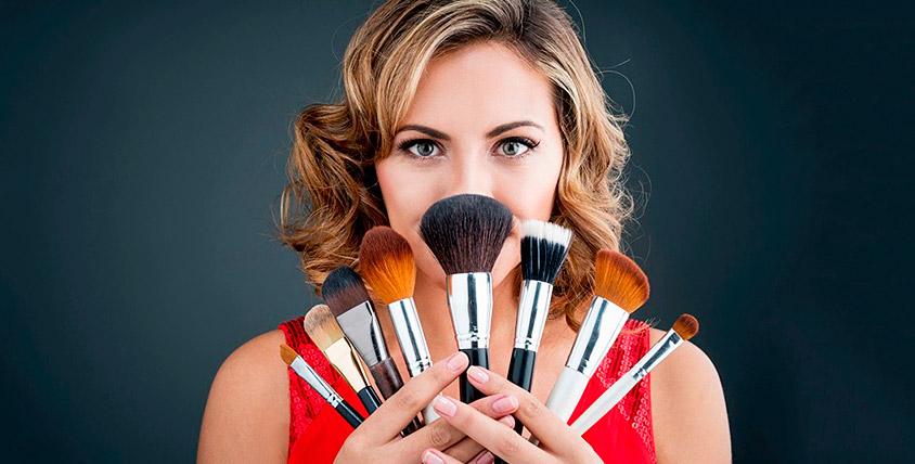 Набор профессиональных кистей для макияжа от учебного центра VeraStudio