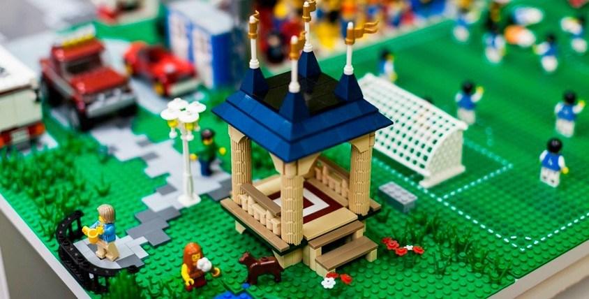 4 пары билетов 2800 руб. на посещение музея-выставки LEGO GameBrick