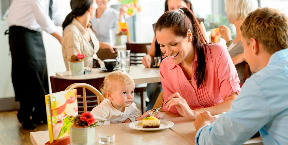 Посещение детской комнаты и сертификаты 3000 руб. на меню кафе Dolce Latte