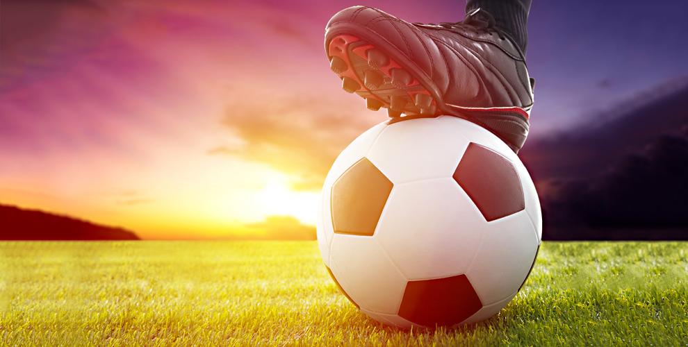 Футбольный мяч и сертификаты 3750 руб. на посещение школы Footballist&K