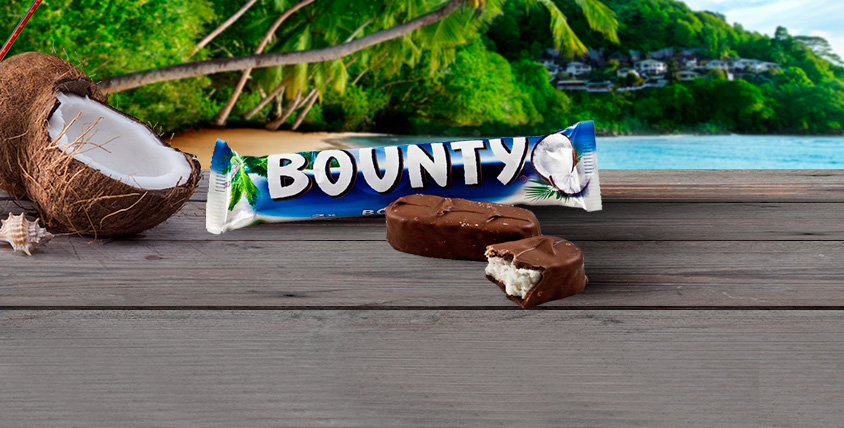 """Коробка шоколадных батончиков Bounty и торт """"9 островов"""" от туристического агентства SunDali"""