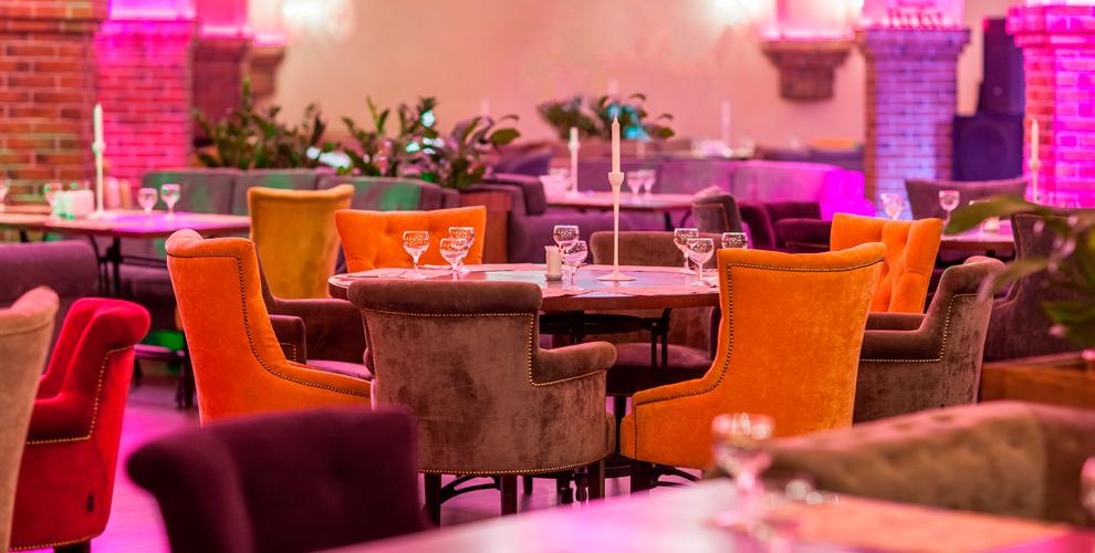 Шашлык, семга на пару, хинкали, салаты и другие блюда в ресторане Perfect