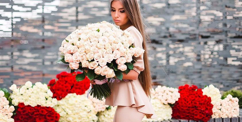 """Роскошные букеты из тюльпанов и роз в салоне цветов """"Семицветик"""""""