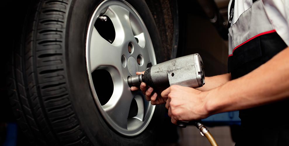 Автокомплекс «Диво»: шиномонтаж автомобиля любой категории