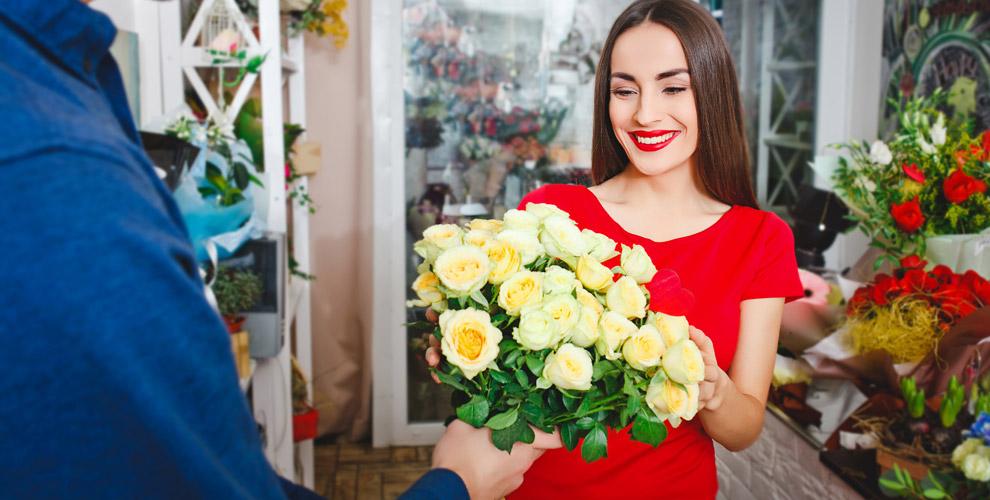 Розы, ирисы, тюльпаны, герберы, альстромерии вмагазине FLORA MARKET