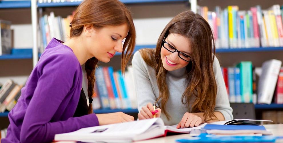 Занятия английским языком для взрослых и детей в English club