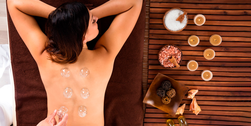 Баночный иливакуумно-роликовый массаж вкабинете «Мерси»