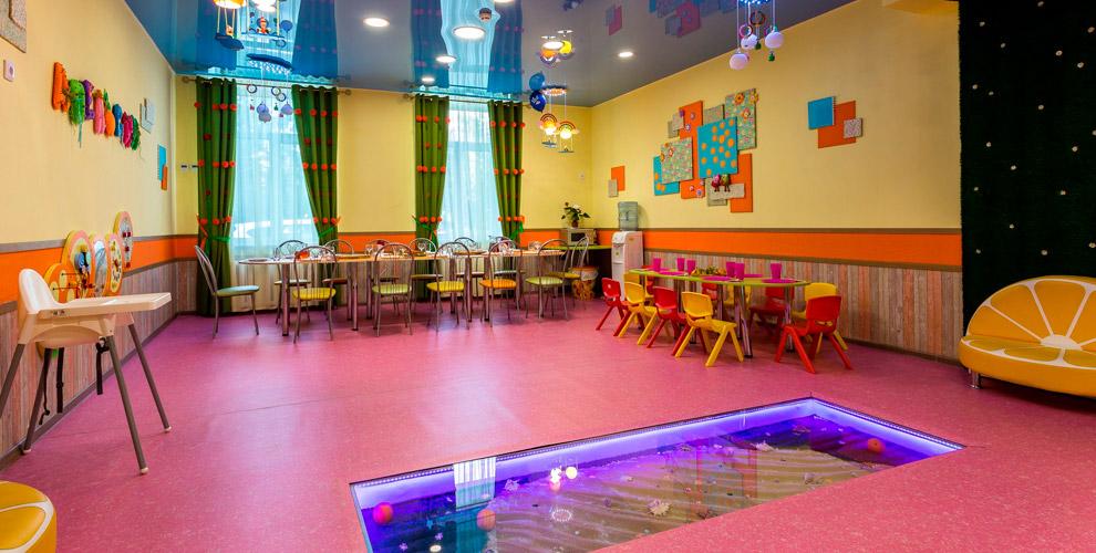 Аренда детской игровой комнаты, «Ленточное шоу» и программа в агентстве «Непоседы»