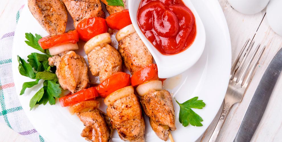 Шаурма, шашлыки из мяса, птицы, рыбы и соусы от ресторана доставки «Шашлычный дворик»
