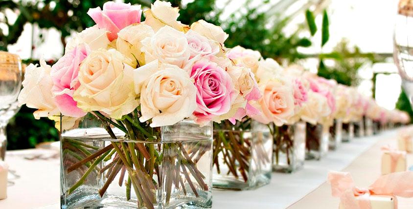 """А вы уже купили цветы? Розы Эквадор, ирисы, роскошные букеты и лепестки роз от сети салонов """"Дон Пион"""""""