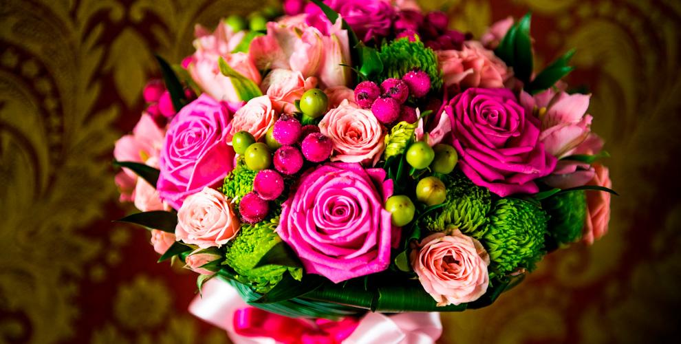 Букеты изроз,атакже пионы, орхидеи илилии отинтернет-магазина «Цветочный Гид»