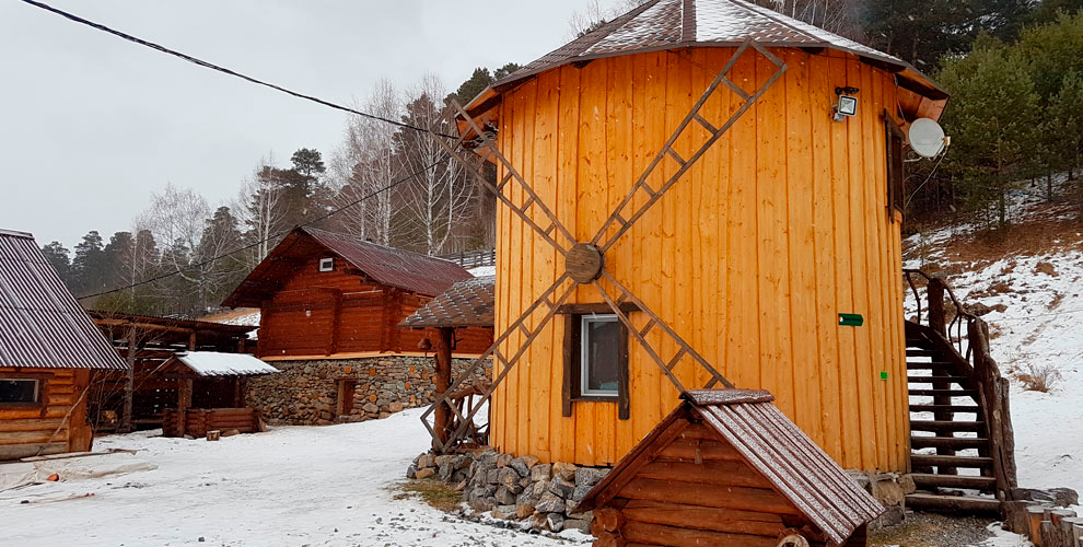 Проживание в коттедже или номере в уютном горном приюте «Тайга»