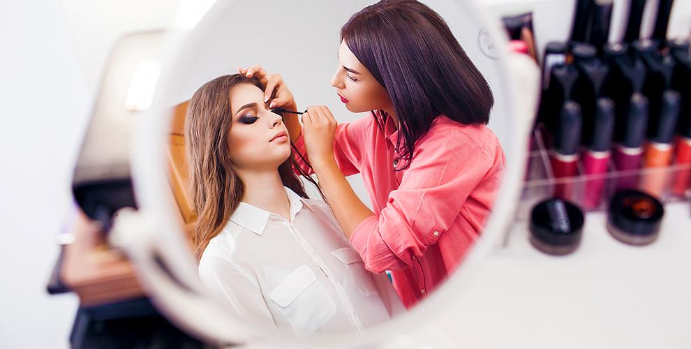 Оформление, окрашивание бровей иресниц, макияж ипрически отBrow-мастера Екатерины