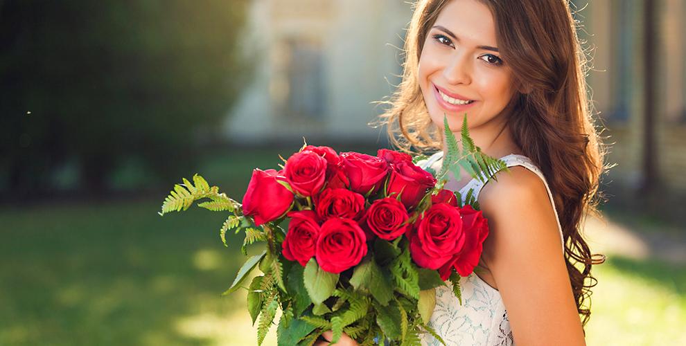 Розы, лилии, тюльпаны, герберы, кустовые гвоздики, альстромерии отмагазина «Цветы»
