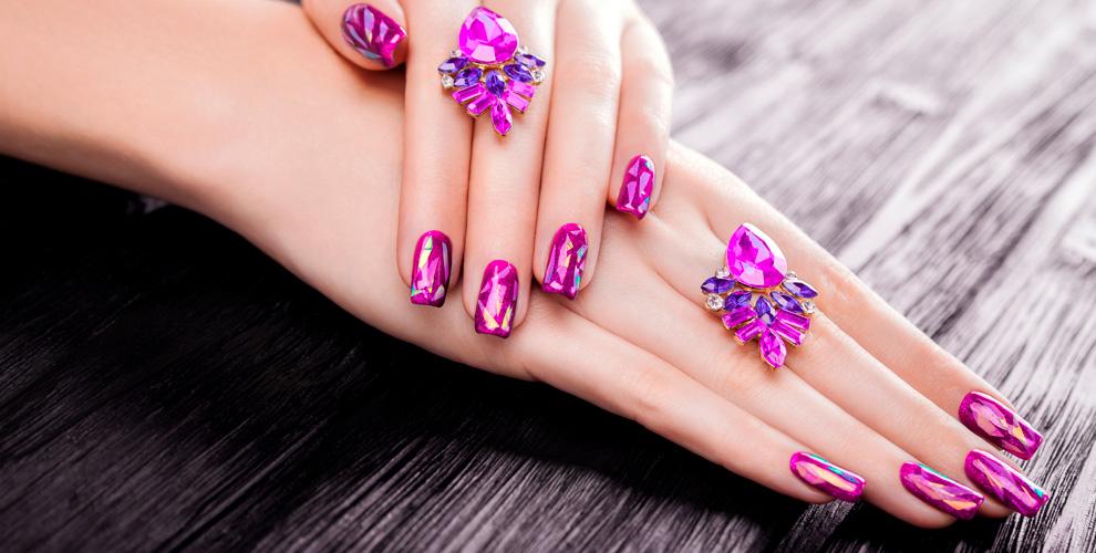 Маникюр, педикюр, покрытие гель-лаком иокрашивание бровей всалоне Star Beauty Nails