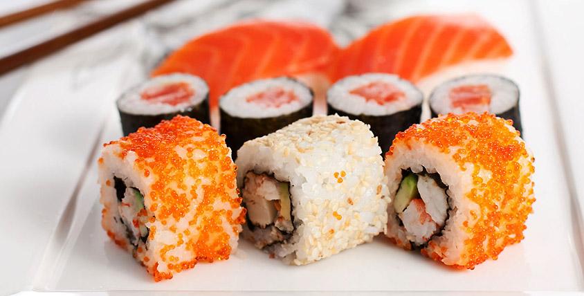 """Ресторан """"Акихито"""" - это уютный мирок, который с радостью готов принять всех, кто желает испробовать японскую кухню"""