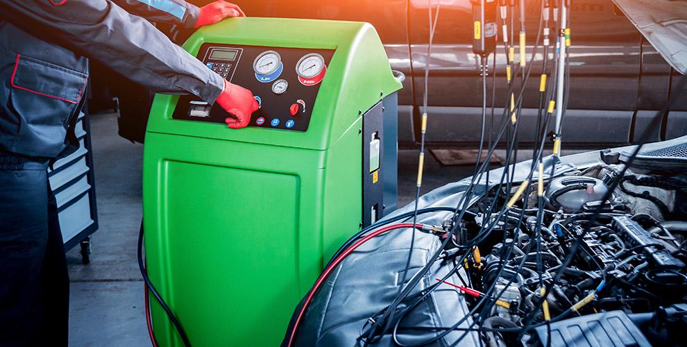 Заправка кондиционера в автомобиле в компании «Сибколесо»