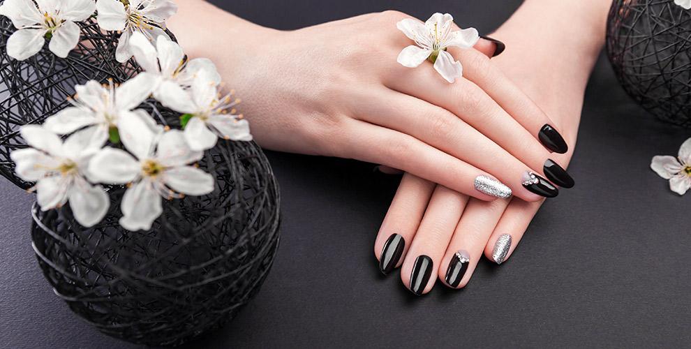 Маникюр, педикюр ипокрытие ногтей гель-лаком встудии Юлии Филипчук