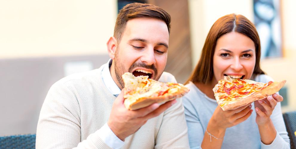 Огромная пицца диаметром 80смоткомпании «Пицца-Отрыв»