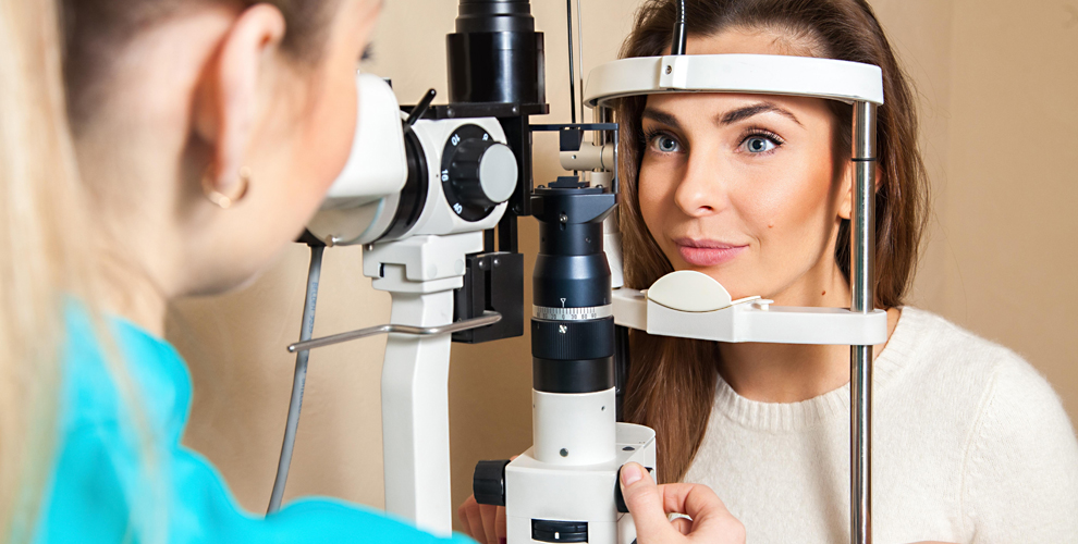 """Бесплатная проверка зрения и упаковка контактных линз в сети салонов """"Просто Оптика"""""""