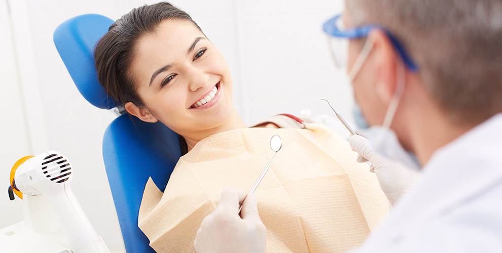 Удаление зуба, лечение кариеса, реставрация вклинике «Доктор Дол»