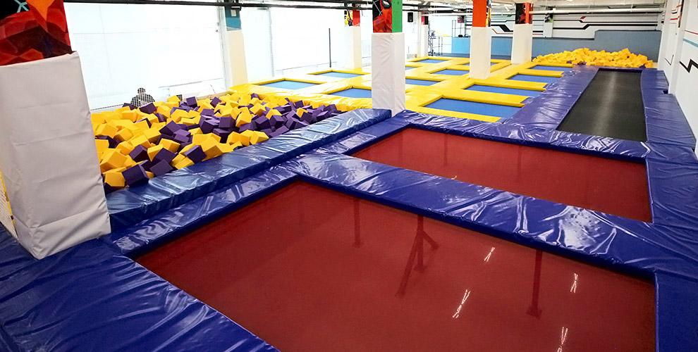 Посещение батутного парка «База Героев» для взрослых и детей
