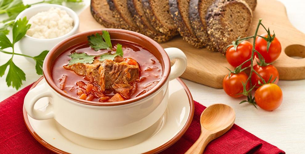 Салаты, супы, вареники исырники вкафе «Спартак»