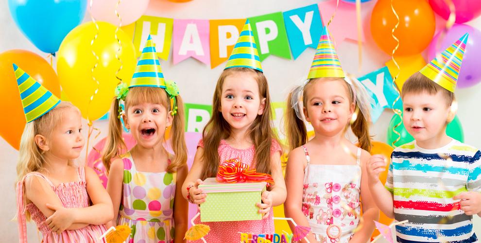 «Апельсин»: Проведение праздника, детская комната икарамельные яблоки