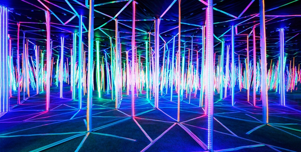 Посещение зеркального лабиринта Sky Maze