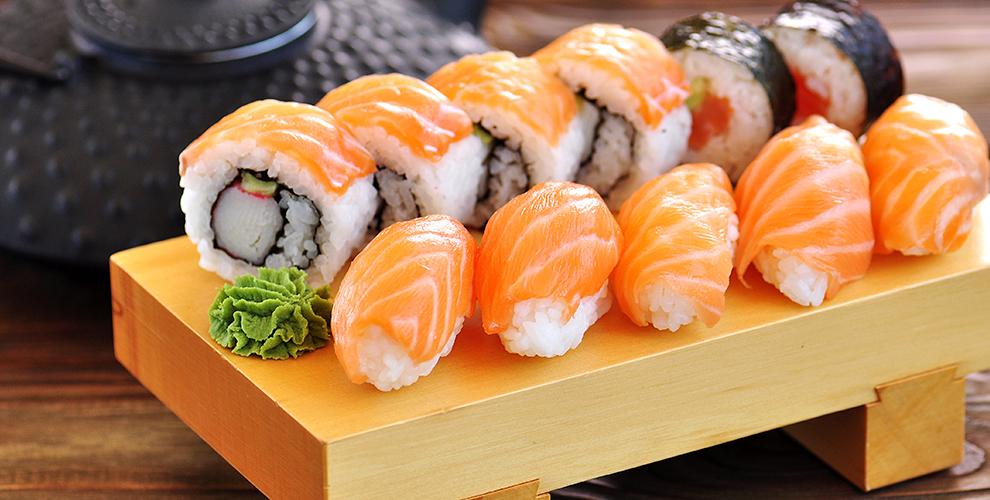 «XL-суши»: 615руб.закилограмм роллов ипицца сдоставкой влюбой район
