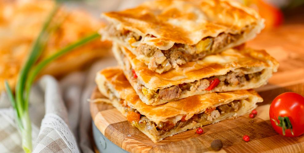 Пироги смясом, сыром, курицей впекарне «Пирог-Колобок»