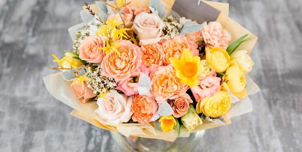 Композиции и букеты, розы, ирисы, альстромерии, орхидеи от доставки Kaktus-Flo