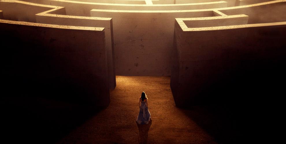 Прохождение квест-лабиринта «Пещера» вбатутном центре «Отрыв»