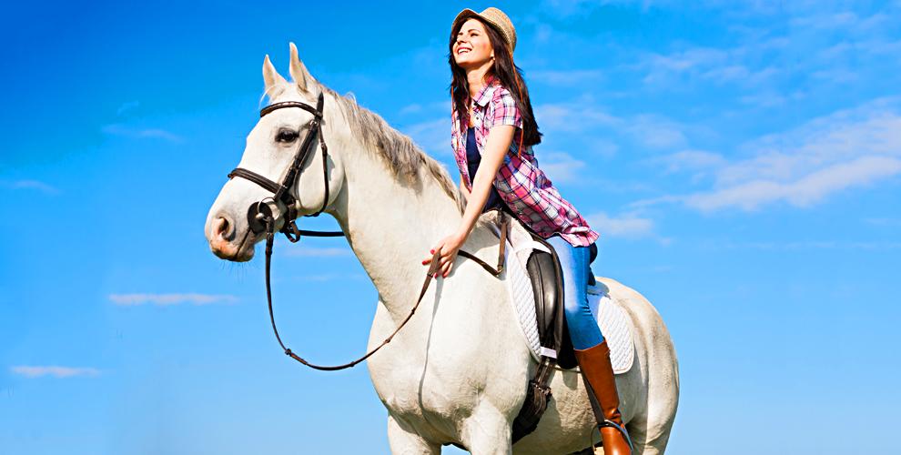 """Катание на пони, обучение верховой езде и конные прогулки в клубе """"Селена"""""""