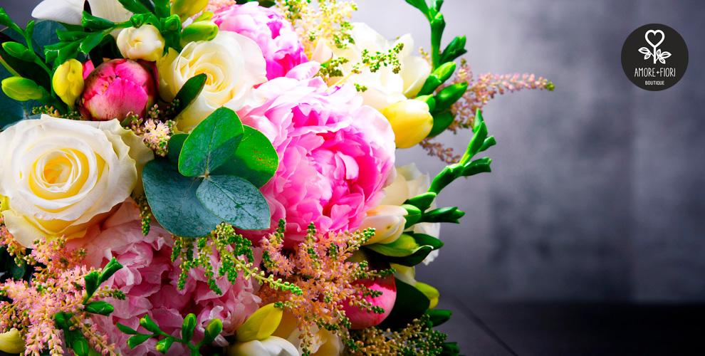 Розы, альстромерии, герберы, хризантемы ибукеты откомпании Amore+Fiori