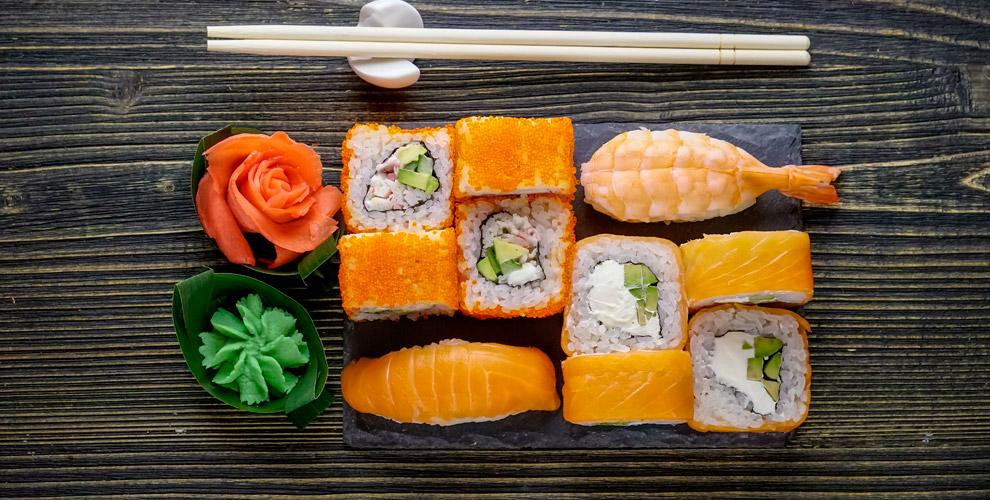Японское меню кухни в кафе Tiger Sushi