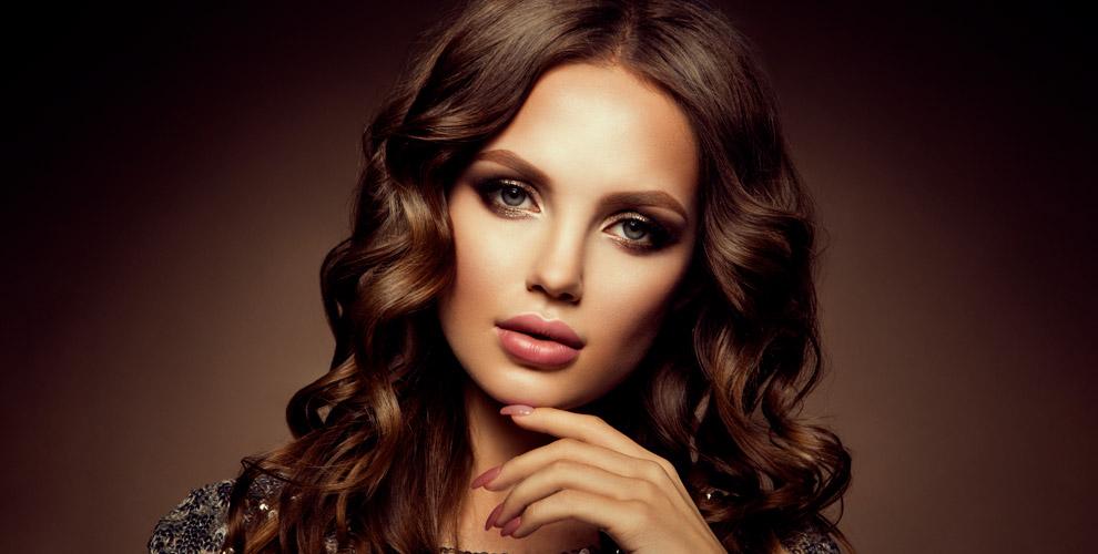 Стрижки, окрашивание волос, плетениекосиманикюр впарикмахерской «Анжелика»