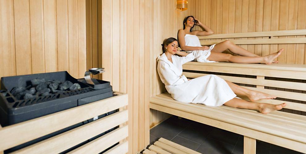 NOVA vip: посещение финской сауны с джакузи, караоке и комнатой отдыха