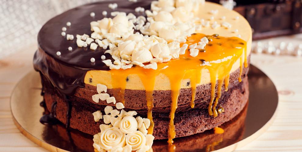 Изготовление торта сначинкой иоформлением, пирожное откондитерской «Женевьева»