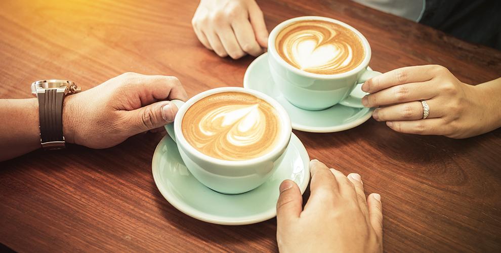 Ароматный кофе и чай на выбор в кофейне Cherry Coffee