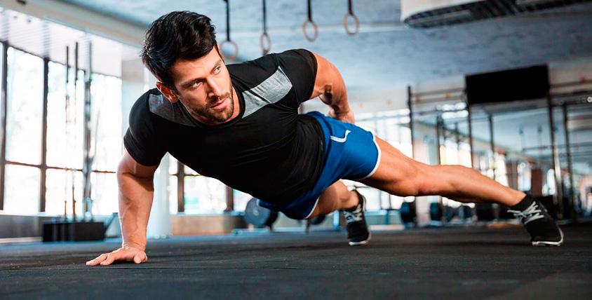 """Тренировки по кроссфиту, рукопашному и ножевому бою в спортивном центре """"Вектор"""""""