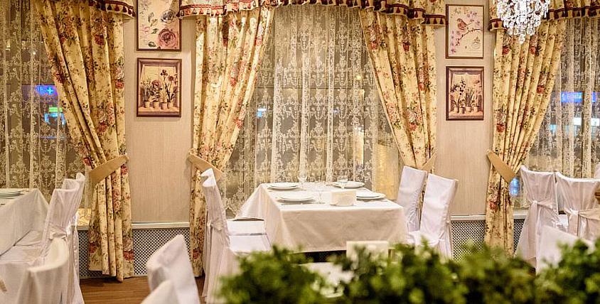 Элегантный интерьер, гостеприимное радушие и искусно оформленные блюда в ресторане The Сим Сити Home. Повод есть всегда!