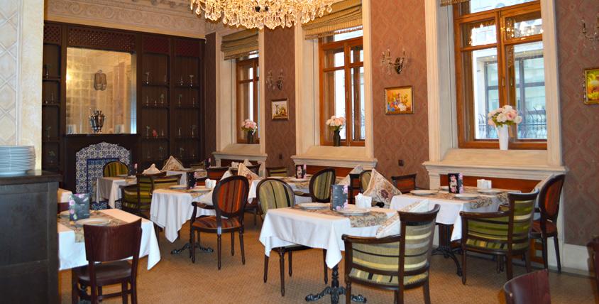 Уютный интерьер, достойное обслуживание и кухня за полцены в ресторане Lapti Cafe